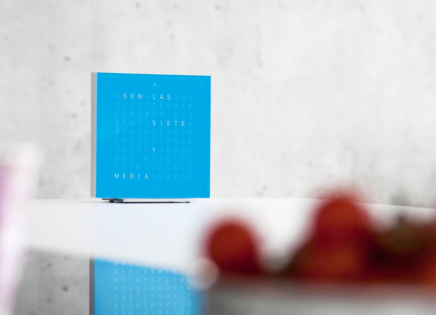 Q2T_BLUE_CANDY_ES_strawberry_web